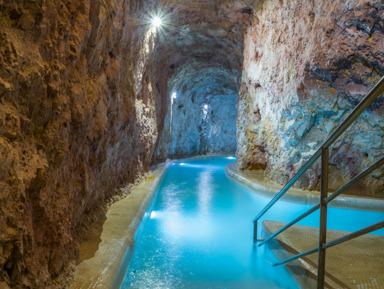 Пещерная купальня Мишкольцтапольца и достопримечательности Эгера